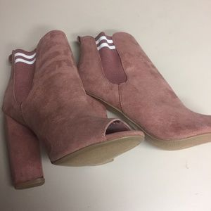 NWOT, Pink Color Open Toes booties, Size 9